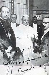 Papa Pio XI com Cardeal Pacelli, futuro Pio XII, na inauguração da Radio Vaticana