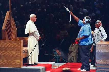 João Paulo II com pagãos