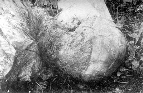 Kharkiv - foto da cabeça do Arquimandrita Rodion do Mosteiro de Spassovsky, esfolada pelos bolcheviques